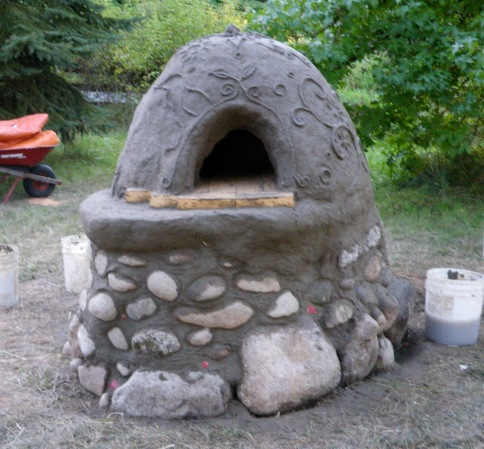 Cob Oven Made by Mudgirls